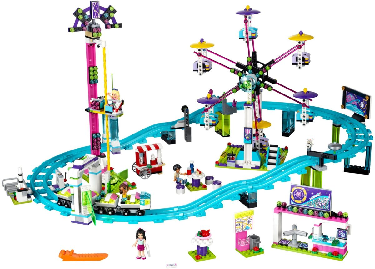 LEGO Minecraft! Shop for an excellent range. Watch out for great offers at Smyths Toys UK.